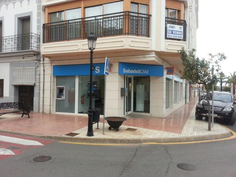 Sabadell gestiona la cam la segunda caja regional for Sabadell cam oficinas